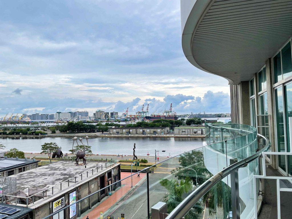 最美的風景「城市商旅真愛館」|駁二旁陽台港景一整天看不膩!